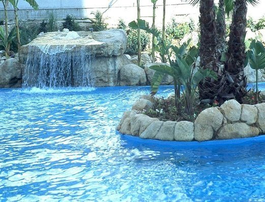 Swimming pool Magic Atrium Beach Apartments